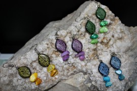 Pendientes floritura de color