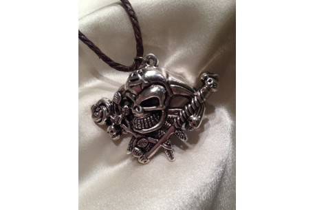 Collar Calavera Pirata II